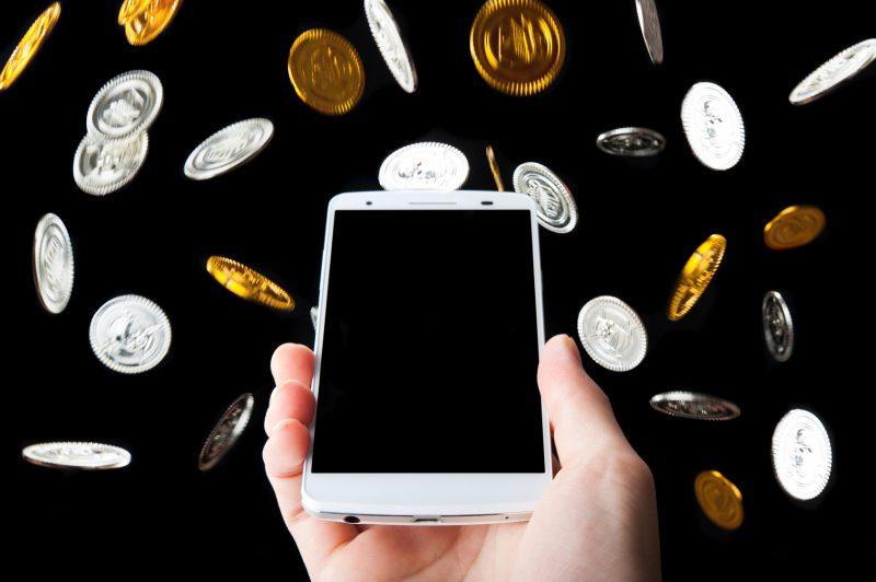 ドコモ・au・ソフトバンクの携帯 解約金の内容
